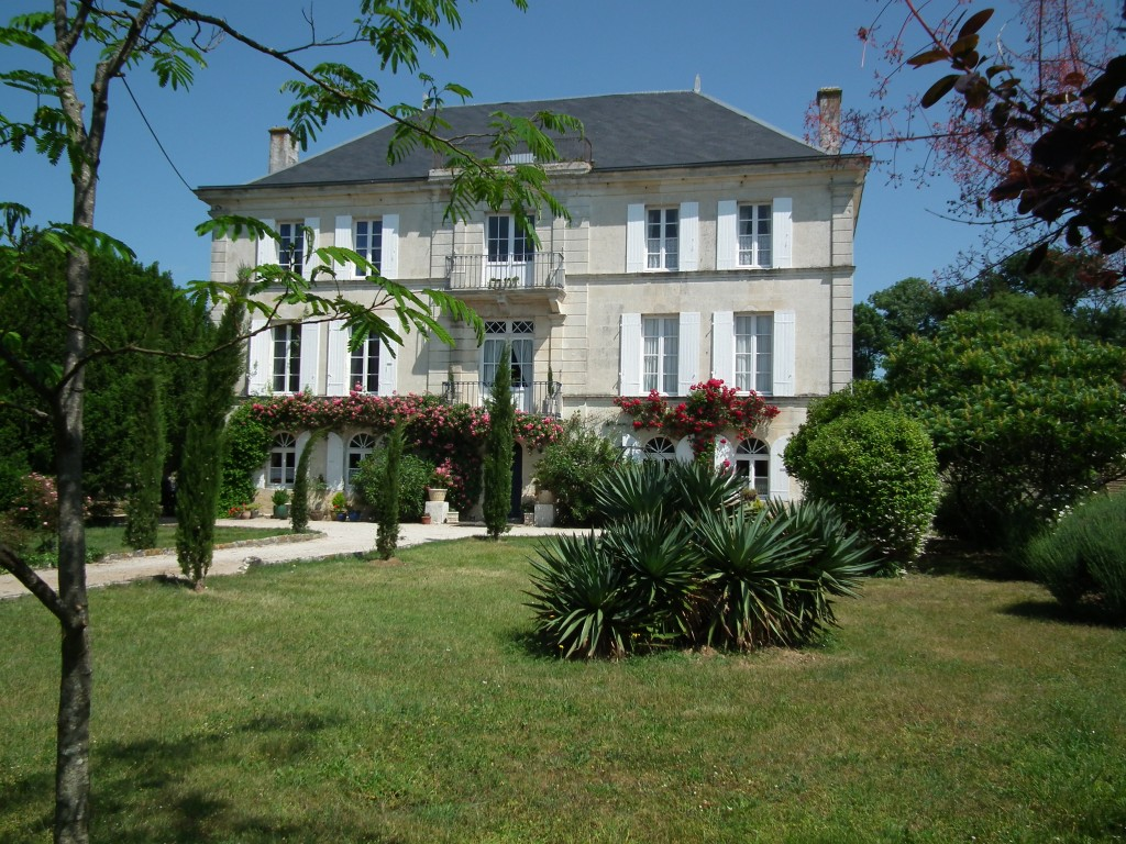 Turquoise Moon Holiday Rentals In France The Chateau And Cottages Of Rochebonne