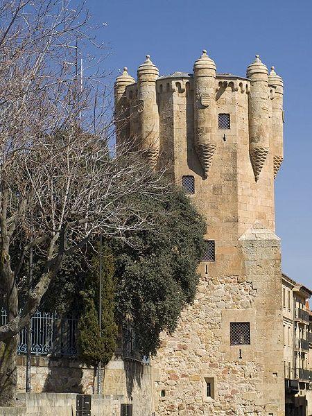 450px-Torre_del_Clavero