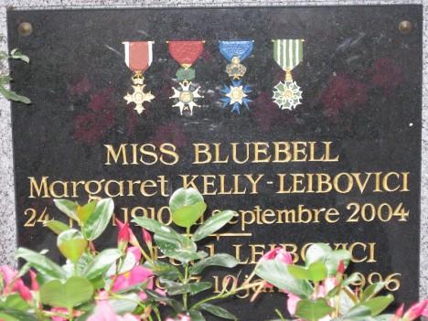 bbell Tombe_de_Miss_Bluebell_dans_le_Cimitière_de_Montmartre