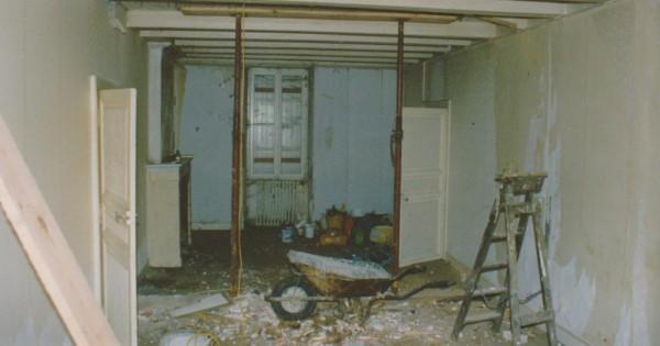 kitchen before 001