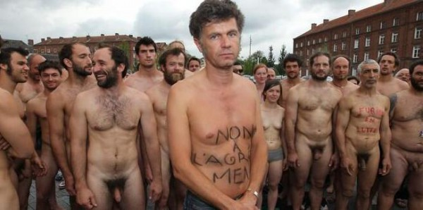 french nude strike